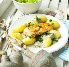 Kindheitserinnerungen wecken sowie die Vorfreude auf den Sommer steigern: Beides kann mein Rezept für gebratenen Lachs mit Petersilienkartoffeln. Yummy!