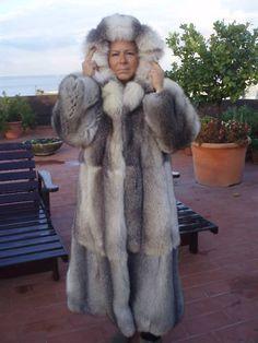 fox fur coat | szőrme 43 | Pinterest | Coats, Fur and Fox fur