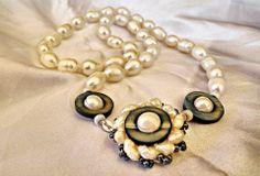 Collana di perle con chiusura realizzata interamente a mano
