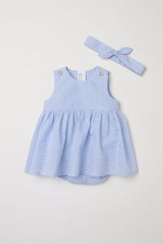 Baby Robes – Baby and Toddler Clothing and Accesories Girls Summer Outfits, Cute Outfits For Kids, Baby Outfits, Pregnancy Fashion Winter, Winter Maternity Outfits, Crochet Baby Dress Pattern, Baby Dress Patterns, Kids Frocks, Frocks For Girls