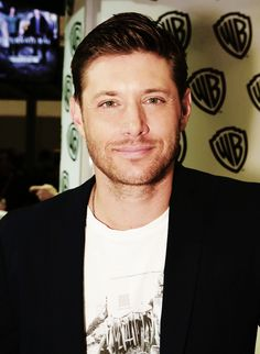 Jensen Ackles   San Diego Comic-Con 2014 [x]--clearer edit!
