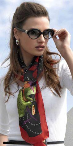 Aker scarf