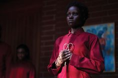 Us Reflects a Mirror Image of The Twilight Zone For his latest horror hit Jordan Peele appears to draw inspiration from Rod Serlings classic series in more ways than one. Two Movies, Movies 2019, Milk Duds, Netflix Uk, This Is Us Movie, Jordan Peele, Lupita Nyongo, Movie Shots, Pop Culture References