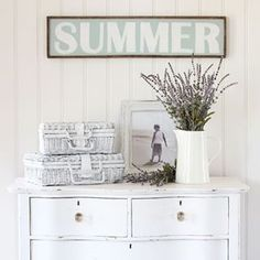 Trendy Painted Furniture Before And After Hutch Makeover Thrift Stores Ideas Hutch Makeover, Chair Makeover, Furniture Makeover, Mirror Makeover, Headboard Benches, Fence Headboard, Coffee Table Makeover, Outdoor Cushion Covers, Sectional Slipcover