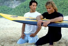 Point Break: Keanu Reeves and Patrick Swayze sharing the stoke of surfing Keanu Reeves Life, Keanu Reeves Young, Keanu Charles Reeves, Patrick Swayze, Jamie Clayton, River Phoenix, Movies Point, Good Movies, Diane Keaton