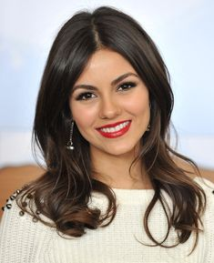 Victoria Justice - hair and makeup