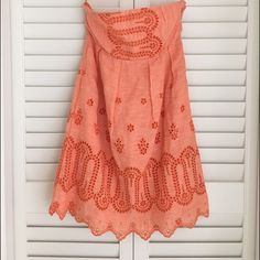 Lands' End Canvas Linen Eyelet Dress SZ 2 Beautiful salmon colored strapless linen dress with eyelet detail. Never worn because it was just a little too snug around the boobs for me. Lands' End Dresses Strapless