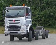 Multi-Axle Truck With The Optional All-Wheel Drive - tessa 4x4 Trucks, Diesel Trucks, Custom Trucks, Semi Trucks, Pretty Cars, Car Gadgets, Heavy Equipment, Sport Cars, Motor Car