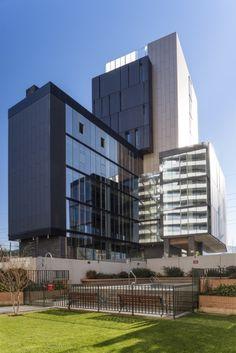 El Coihue Building by Estudio Larrain / Alonso de Córdova 3827, Vitacura, Región Metropolitana de Santiago, Chil