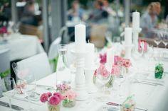 #Tischdeko #Tischdekoration #centerpiece #Blumen #Flowers #Hochzeit #wedding  Das tolle Foto wurde gemacht von Anna & Alfred: http://www.annaundalfred.de