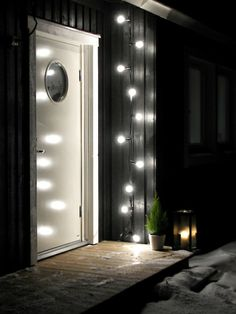 beautiful and practical entry door lighting Exterior Design, Interior And Exterior, Patio Pergola, Balcony Flowers, Living Room Flooring, Winter House, My Dream Home, Curb Appeal, Black House