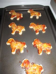 Horse Shaped Mini Pizzas & a Feed the Horse game
