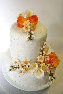 prettiest cake ever Gorgeous Cakes, Pretty Cakes, Amazing Cakes, Fancy Cakes, Mini Cakes, Wedding Renewal Vows, Wedding Cakes With Cupcakes, Take The Cake, Cake Creations