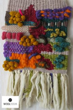 Hand woven wall hanging // weaving // telar decorativo made by WooL LooM… Weaving Textiles, Weaving Art, Tapestry Weaving, Loom Weaving, Hand Weaving, Weaving For Kids, Peg Loom, Arts And Crafts, Diy Crafts