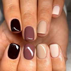 Multiple colors Multiple shades of nail polish in one manicure 35 trendy manicure ideas inspired by autumn nail colors 2019 More Id . Fall Nail Colors, Nail Polish Colors, Best Nail Colors, One Color Nails, Neutral Nail Polish, Shellac Colors, Different Color Nails, Manicure Colors, Pretty Nail Colors