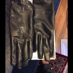Black leather gloves Christmas present. I wore them to walk the dog. 10 mins. Too tight for me. I'm a size 7 gloves. So small means small. They are really pretty. Toccare Other