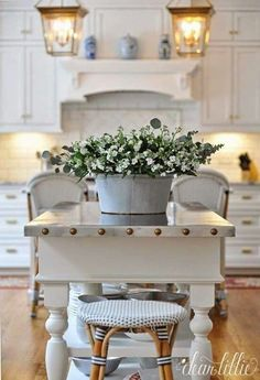 Farmhouse Style: Blue and White Kitchen Decor Inspiration Farmhouse style and farmhouse decor these days comes in all shapes and sizes, there's modern mountain, rustic…