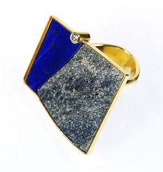 Gold with lapiz lazuli ring