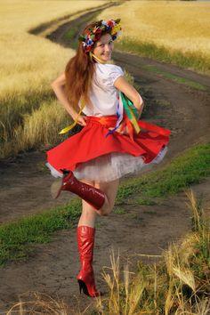 Ukraine by Svetlana Senchurova on Etsy Eslava, Ukrainian Dress, Ukraine Women, Folk Fashion, Folk Costume, Ladies Day, Traditional Dresses, Dance Costumes, Cute Outfits