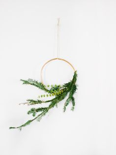 Simple and stylish holiday wreaths