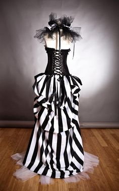 Custom size Black and White striped satin and tulle Circus Harlequin Burlesque corset prom dress with neck piece Steampunk Circus, Mode Steampunk, Steampunk Costume, Steampunk Fashion, Gothic Fashion, Gq Fashion, Steampunk Clothing, Creepy Carnival, Carnival Costumes
