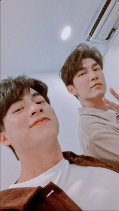 Im Going Crazy, Cute Boy Photo, Young Cute Boys, Instyle Magazine, Cute Gay Couples, Boyfriend Pictures, E Type, Thai Drama, Couple Aesthetic