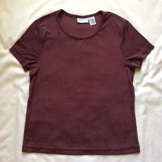 ✨LOWEST PRICE✨ Solid Burgundy Top Worn a few times and has some pillings on top but they are not too noticeable. (CURRENTLY NOT TRADING) Jaclyn Smith Tops Tees - Short Sleeve