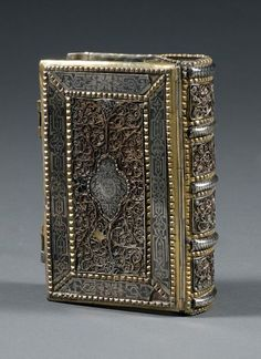 Galician Silver, Silver-gilt, Filigree, and Niello Book Binding Old Books, Antique Books, Vintage Books, Leather Bound Journal, Bible Covers, Beautiful Book Covers, Book Of Hours, Prayer Book, Leather Books