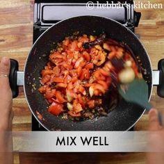 tomato pudina chutney | pudina tomato pachadi | tomato mint chutney Garlic Chutney, Tomato Chutney, Coconut Chutney, Pudina Chutney Recipe, Food Dishes, Side Dishes, Chutney Recipes