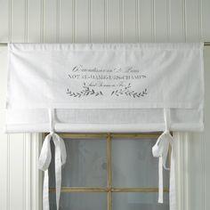 Notre Dame vouwgordijnen - 100 x 140 cm - Boel & Jan Diy Blinds, Curtains With Blinds, White Roman Blinds, Window Cornices, Curtain Fabric, Cute Designs, Sewing Tutorials, Window Treatments, Kitchen Design