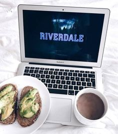 I'm finishing the season of riverdale yay 🤓 who's ur fave character guys? Photo Bleu, Breakfast Photography, Food Photography, Netflix And Chill, Jolie Photo, Lazy Days, No Time For Me, At Least, Images