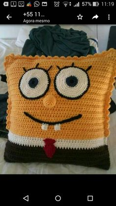 Cojines A Crochet Ideas Spongebob Squarepants Crochet Cushion Crochet Ideas Cojines De Minion Crochet Patterns, Minion Pattern, Crochet Home, Crochet For Kids, Crochet Baby, Crochet Teddy, Free Crochet, Crochet Cushions, Crochet Pillow