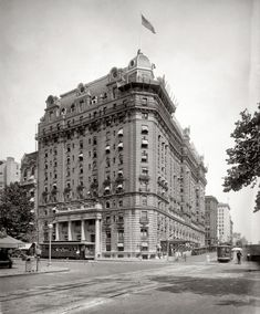 """Washington, D.C., circa 1922. """"Willard Hotel, 14th Street at Pennsylvania Avenue."""" Abraham Lincoln stayed at the Willard before his Inauguration--however, it was the earlier, 4-story version at this location. A major fire damaged the Willard in 1922. Guests who had to be evacuated included Calvin Coolidge, John Philip Sousa, and Adolph Zukor."""