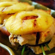 Pineapple Chicken Sandwich - A juicy chicken sandwich with a Hawaiian twist - yummmm