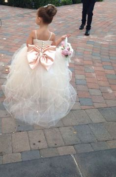 This is one of the sweetest flower girl dresses we've ever seen ♥  www.pelazzio.com