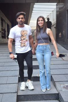 #PulkitSamrat #KritiKharbanda #Bollywood #BollyHub Bollywood Images, Bollywood Stars, Kriti Kharbanda, Sony Tv, Celebrity Couples, Bollywood Actress, Mom Jeans, Hipster, Actresses