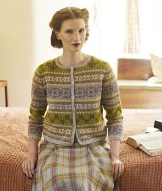 BLOOMSBURY by Marie Wallin is her brand new book featuring 8 women's garment patterns knitted in Rowan Felted Tweed. Each design is inspired by the life style and culture of the Bloomsbury group of artists and writers. Fair Isle Knitting Patterns, Fair Isle Pattern, Knit Patterns, Punto Fair Isle, Fair Isle Pullover, Rowan Felted Tweed, Cardigan Design, Girls Sweaters, Cardigans