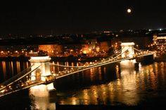 Budapest's Chain Bridge, Hungary