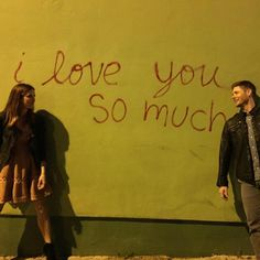Danneel's icon on Instagram - this is beyond romantic and sweet! She and Jensen are, so far, each other's only followers :)