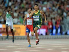 Wayde Van Niekerk (RSA) wins the 400m in 43.48.  Kirby Lee, USA TODAY Sports