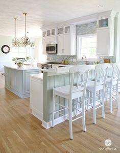 This amazing Coastal Kitchen Makeover has white kitchen cabinets, a seaglass blue coastal backsplash, mixed metals and weathered oak floors. Home Design, Küchen Design, Interior Design, Design Ideas, Beach Design, Diy Interior, Interior Paint, Kitchen Interior, Design Inspiration