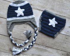 Crochet Dallas Cowboys Hat and Diaper Cover Set boy football Cowboy Crochet, Crochet Baby Boots, Crochet Bebe, Crochet Baby Clothes, Newborn Crochet, Crochet Slippers, Love Crochet, Booties Crochet, Irish Crochet