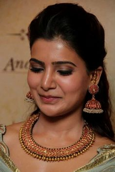 Actress Samantha Ruth Prabhu inaugurated Ancient Secrets Antique Jewellery Exhibition and Sale at Prince Jewellery at Chennai. Jewelry Ads, Jewelry Design Earrings, Gold Earrings Designs, Gold Jewelry, India Jewelry, Temple Jewellery, Necklace Designs, Fashion Earrings, Bridal Jewelry