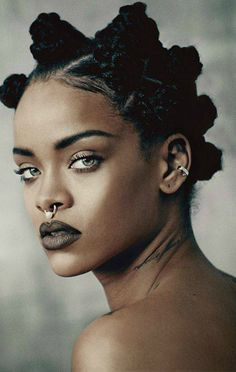 Image uploaded by Rihanna Navy. Find images and videos about beauty, make up and rihanna on We Heart It - the app to get lost in what you love. Bantu Knot Hairstyles, Protective Hairstyles, Rihanna Hairstyles, Kid Hairstyles, Protective Styles, Afro Punk, Piercing Septum, Curly Hair Styles, Natural Hair Styles