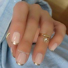 This style, yes or no? ❤ . . . . . . . . . . #fashion #fashionaddict #fashioninspo #fashionblogger #fashionlover #fashionista #fashionistastyle #blog #blogger #style #styleoftheday #streetstyle #ootd #outfit #outfitoftheday #styleblogger #nails #nailart #naildesign #nailsonfleek #nailpolish #nailartist #manicure #pedicure #jewellery #rings #glitter #pink