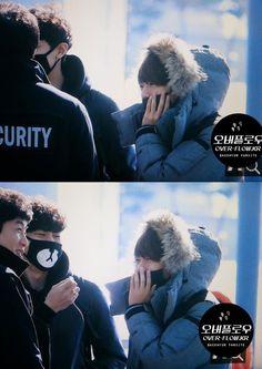 Oh no I'm not crying because Chanyeol's just looking at Baekhyun smile BAEKYEOL