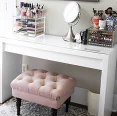 I Love Using The Ikea Malm Dresser To Store All My Makeup. This Vanity  Mirror
