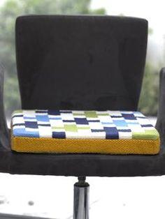 Nifty sittepute. Fin måte å endre inntrykket til en moderne stol. Gir meg mulighet til å bruke møbler jeg har ved et stilskifte