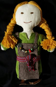 Viking doll Doll : linen / Padding : woll /Clothes : linen and woll / Mouth and eyes : hand-embroidered /shoes : leather