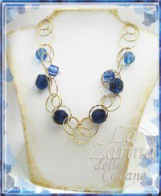 collana di anelli blu